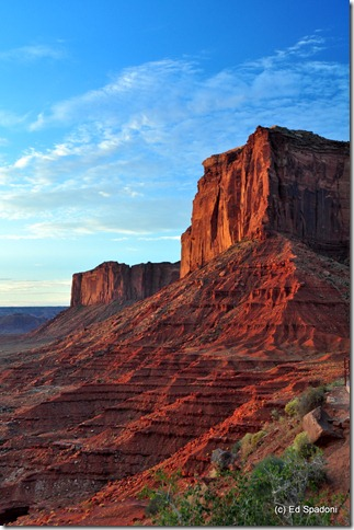 Sunrise on Elephant Butte, Monument Valley