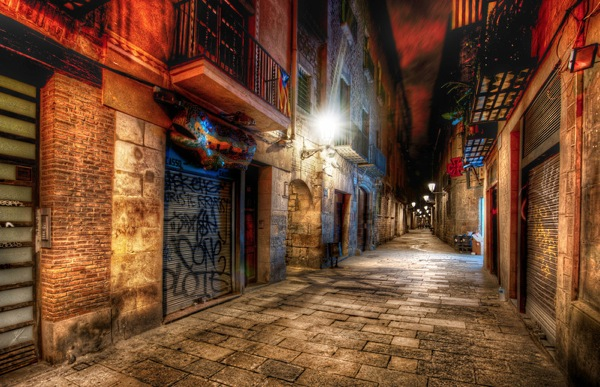 Barcelona Alley L